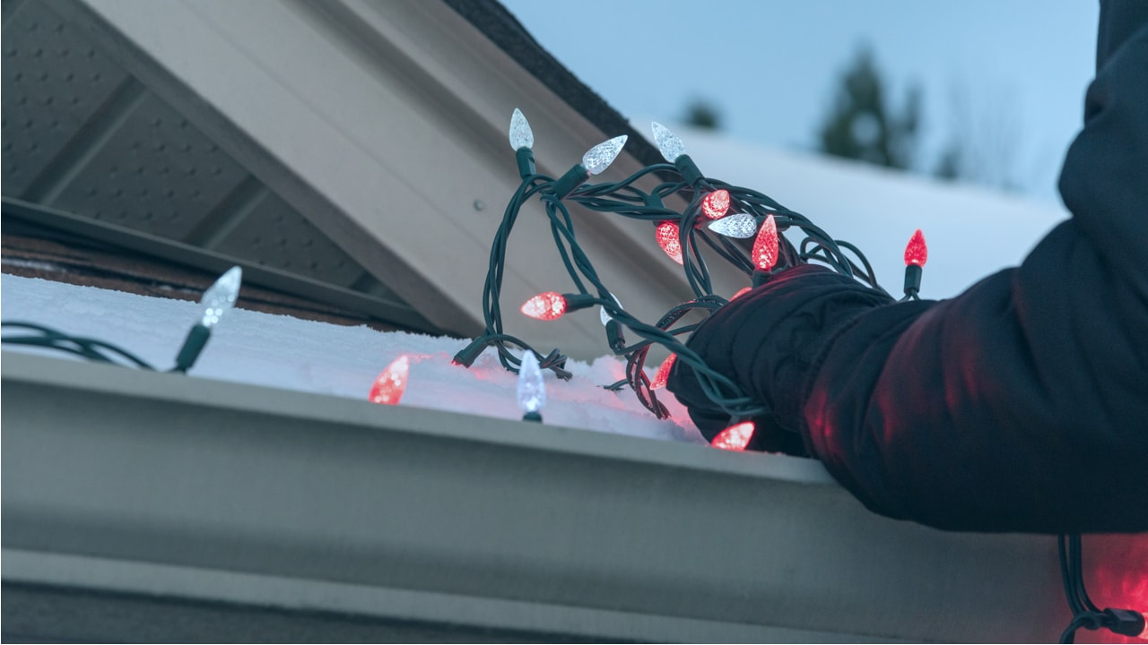 Christmas lights on roof